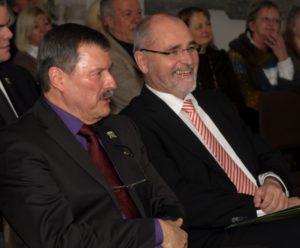 v.l.: Gerd Philipp und Regierungspräsident Prof. Dr. Bollermann